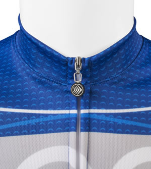 Traditional zippered neckline and collar